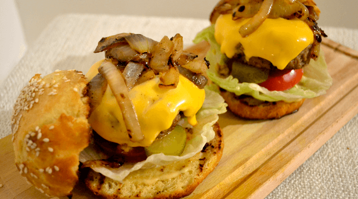 Juicy Homemade Cheeseburgers