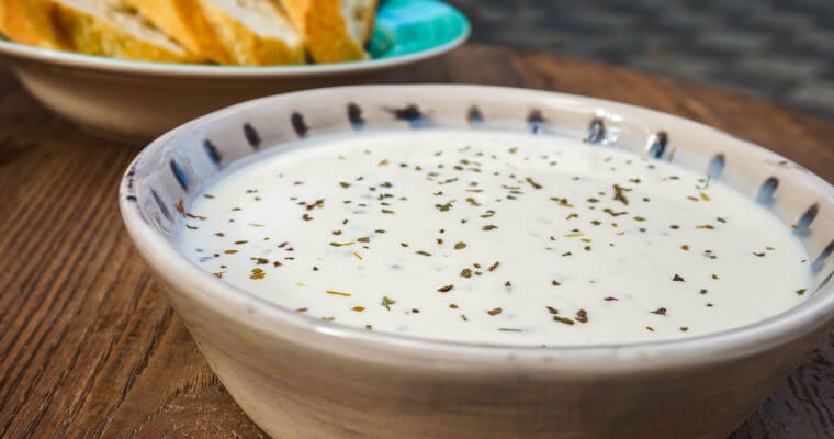 Entertaining Outdoors: Best Garlic Sauce Recipe