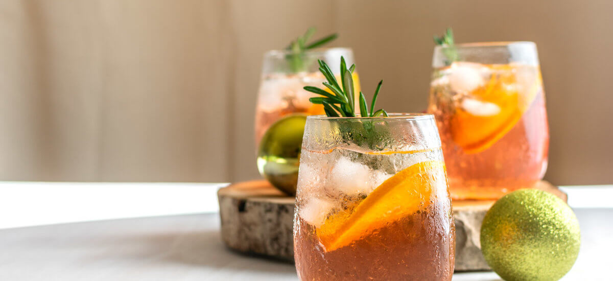 Christmas Drink: Berry Gin Fizz Cocktail Recipe