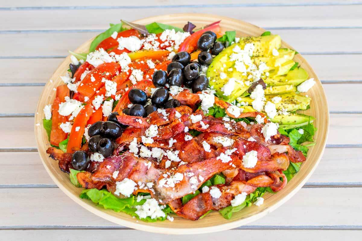 A top view of the BLT salad without the ranch dressing.