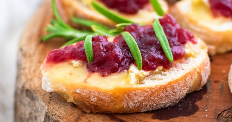 Cranberry Brie Crostini Recipe